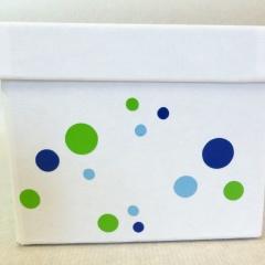 Geschenksbox mit Punkten
