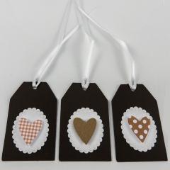 Geschenkanhänger mit Herz 3-er Set braun